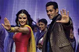 salman khan in Kudiye di kurti song