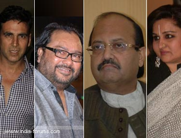 akshay kumar, ismail darbar, amar singh and rina roy visited to see rajesh khanna in Lilavati Hospital