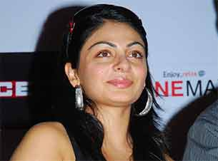 Actress Neeru bajwa