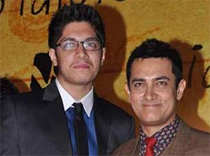 Aamir clueless of his son Junaid's plan