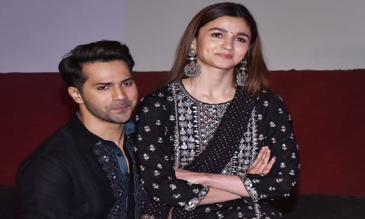 varun and alia visit gaiety theatre for the song launch of first class
