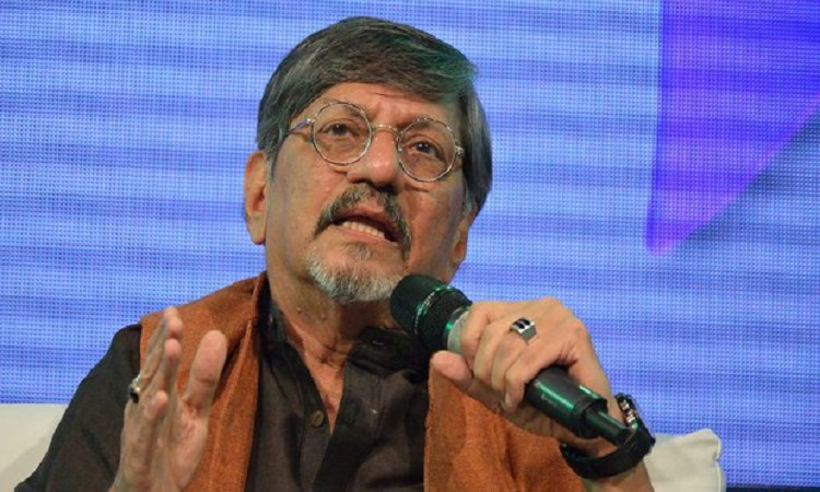 amol palekar gets interrupted from his speech