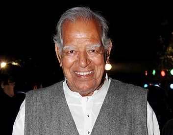 Dara Singh remains critical