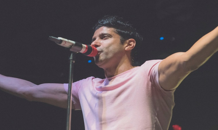 farhan akhtar treats his fans with another song