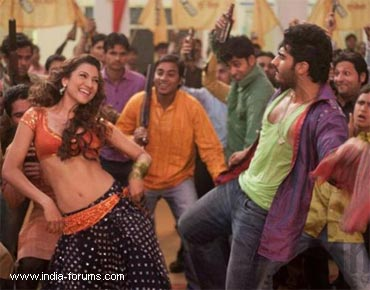 movie review of ishaqzaade