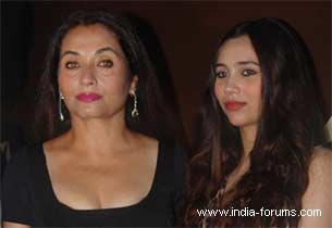 salma aagha and her daughter Sasheh Aagha