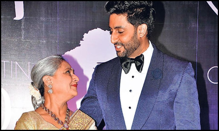 abhishek bachchan snapped in a candid moment with mom jaya bachchan
