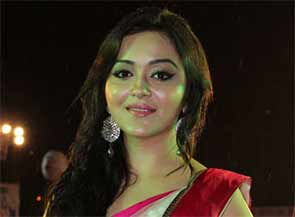 Actress Ragini Nandwani