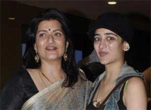 Veteran actress sarika and Akshara haasan
