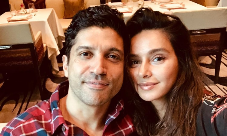 farhan akhtar with girlfriend shibani dandekar