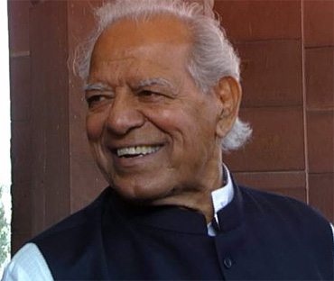 Dara singh still very critical