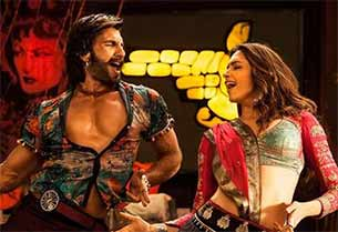 deepika padukone and ranveer singh in ram leela movie