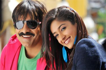 ileana d cruz and ravi teja in telugu movie Devudu Chesina Manushulu