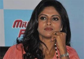 southern actress nadhiya