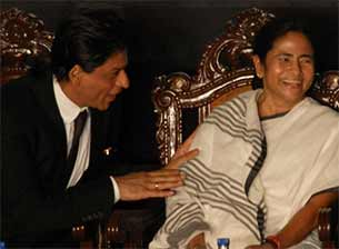 Shahrukh Khan and mamta banerjee