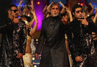 amitabh bachchan singing in bol bachchan movie