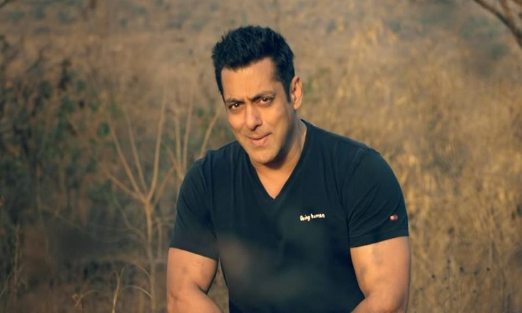 salman unveils the 4th song of notebook