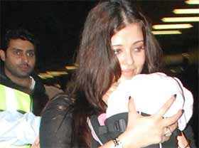 Aaradhya Bachchan's first birthday