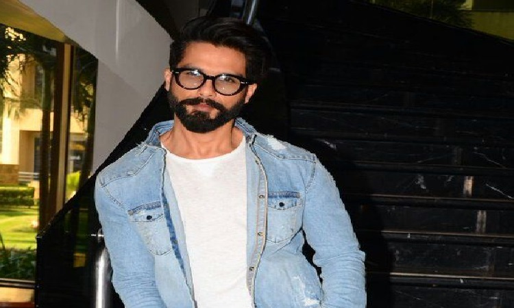 shahid says his style of clothing is driven by his mood