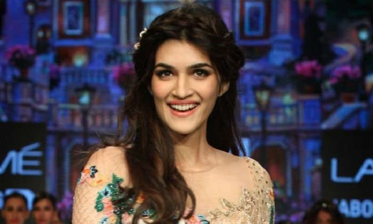 kriti prepares for filmfare awards
