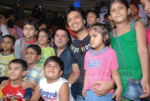 Ritesh deshmukh and sajid khan came to promote their film