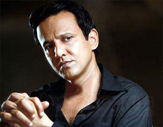 Gulaal (2009) The Stoneman Murders (2009) Drona (2008) Sankat City (2008) Maan Gaye Mughall-E-Azam (2008) Mumbai Meri Jaan (2008) Via Darjeeling (2008) - kay_kay_menon_big