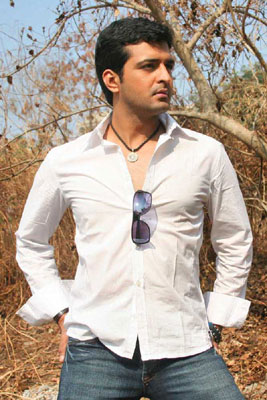http://www1.india-forums.com/tellybuzz/images/uploads/14F_sachin.jpg