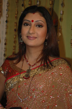 It's time to fall in love with love all over again' - Juhi Parmar ...