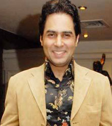 Out goes Shiv Subramaniam, and in comes the seasoned actor Aman Verma, who was last seen in Sony's Iss Jungle Se Mujhe Bachao. - 2Z7_aman