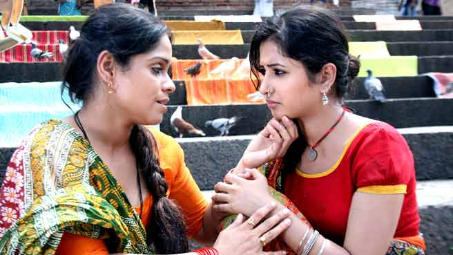 Once They Reach There Meet Lajwanti Aka Lajjo Sana Amin Sheikh A Cute And Gutsy Village Girl Who Has Many Interactions With Nikhil His Group Of