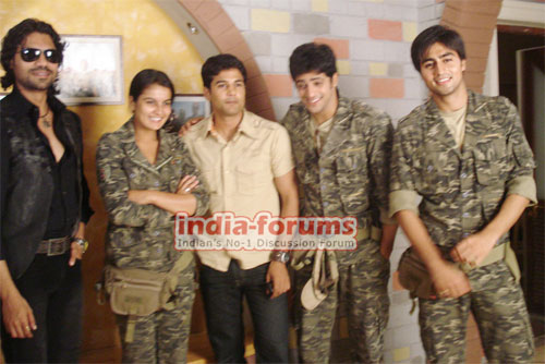Left Right Left Crew including Rajeev Khandelwal, Gaurav Chopra