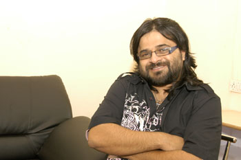 http://www.india-forums.com/tellybuzz/images/uploads/73Z_pritam.jpg