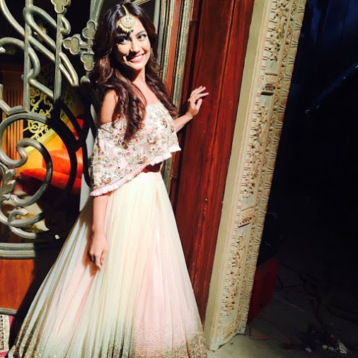 Surbhi Jyoti in love with her bridal look for 'Ishqbaaaz ...