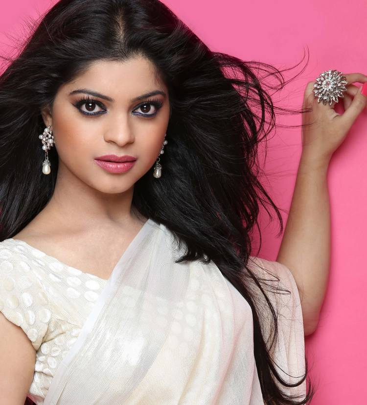 If offered would definitely do bigg boss says sneha wagh 43435 actor sneha wagh is a big fan of bigg boss and wants to be a part of the show the actor is an avid watcher and has seen all the episodes of voltagebd Choice Image