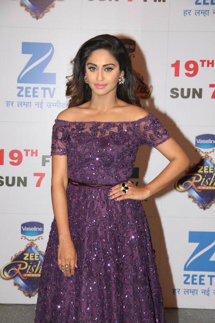 stylebuzz celebrities who slayed at the zee rishtey awards 2017