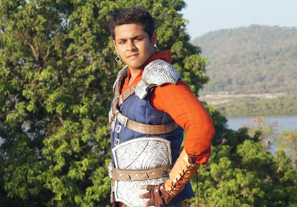 It's difficult to play a superhero when it comes to shooting on Chroma :    Dev Joshi, Actor