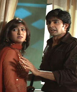 http://www.india-forums.com/tellybuzz/images/uploads/C2F_hussain-And-juhi.jpg