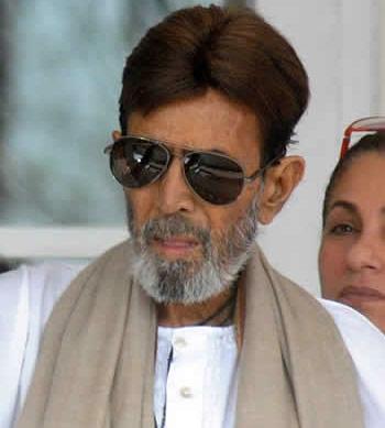 Ailing Rajesh Khanna admitted to hospital | India Forums
