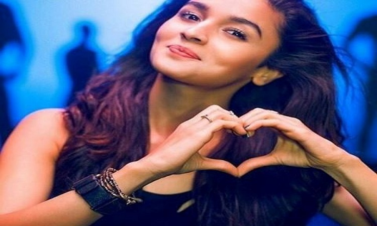 Alia clocks 30 mn Instagram followers, thanks fans | India Forums