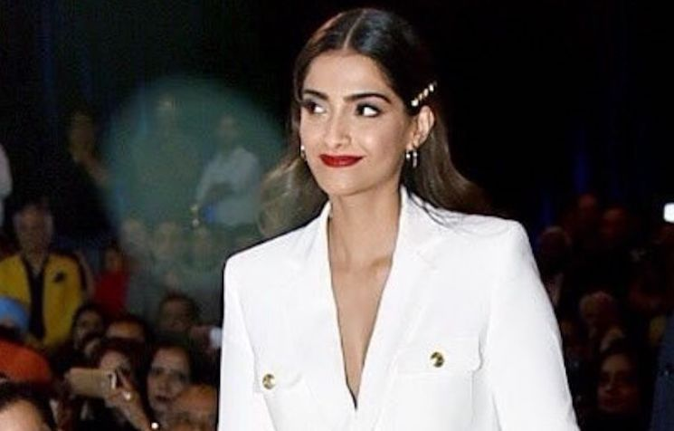 Sonam Kapoor Nails Colour Blocking Like A Boss | India Forums