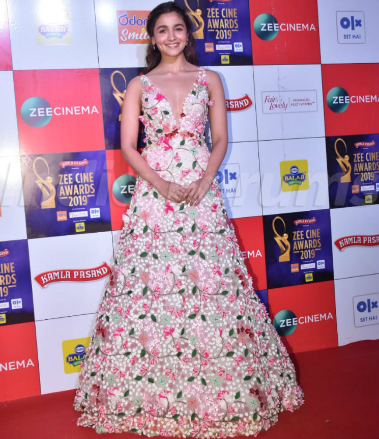 Best And Worst Dressed Divas From The Red-Carpet Of Zee Awards 2019