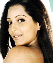 Akshay Kumar is awesome in 'Fear Factor': Meghna Naidu