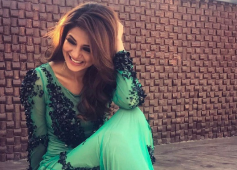 #Stylebuzz: Jennifer Winget Or Her Gorgeous Gown? Which ...