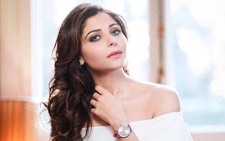 Kanika Kapoor to make her Television DEBUT! | 50197