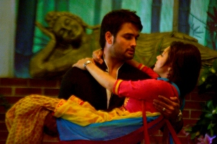 Image result for RK and Madhubala in a romantic mood in Madhubala!