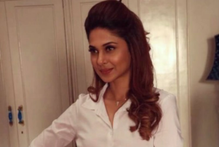 #Stylebuzz: Jennifer Winget Creates Waves With The Great ...